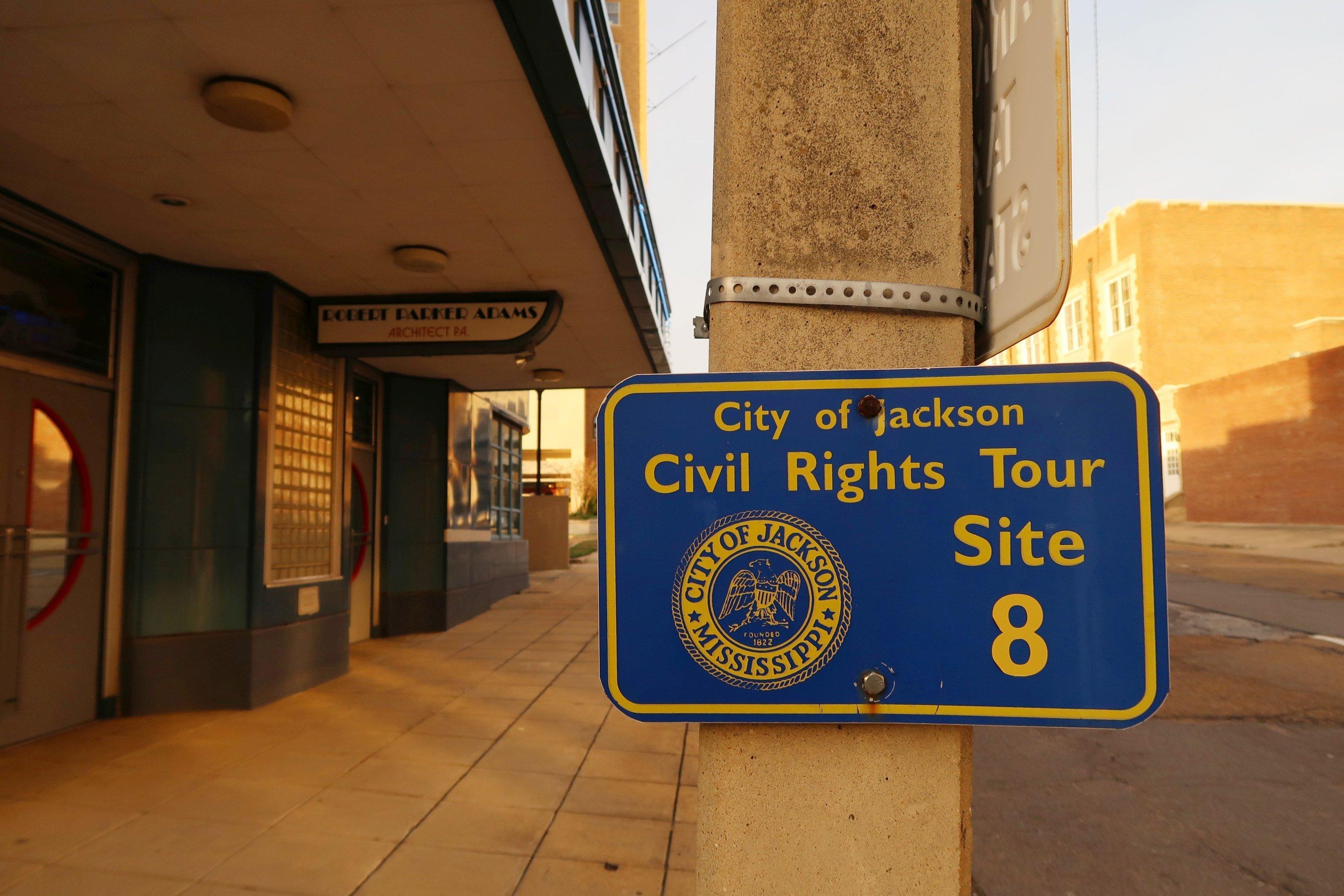 Erinnerungstafel an der früheren Greyhound-Wartehalle in Jackson. Hier wurden in den 1960er-Jahren zahlreiche Freedom Riders verhaftet