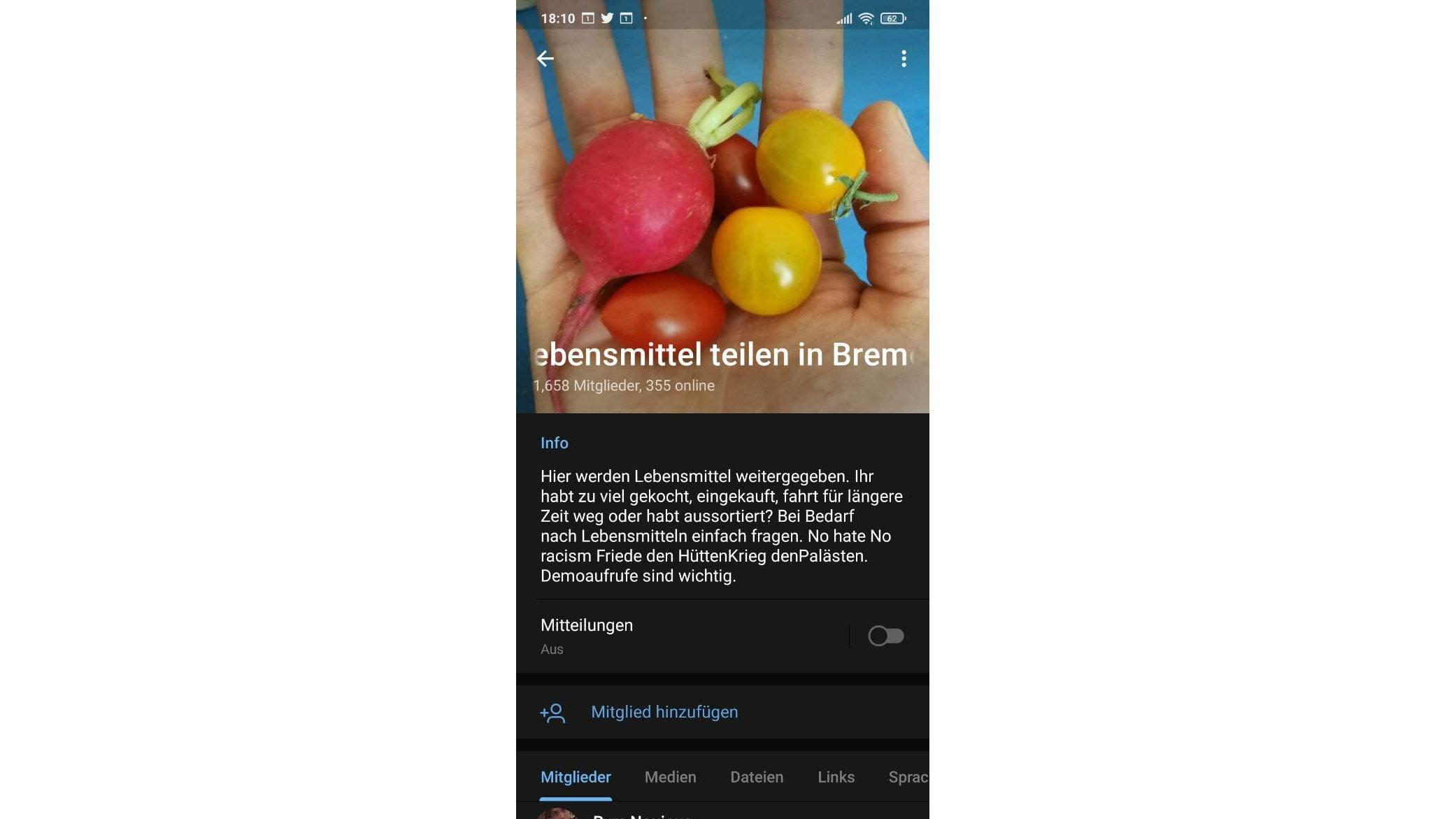 """Screenshot der Gruppe """"Lebensmittel teilen in Bremen"""". Eine Hand hält einige rote und gelbe Tomaten und ein Radieschen."""