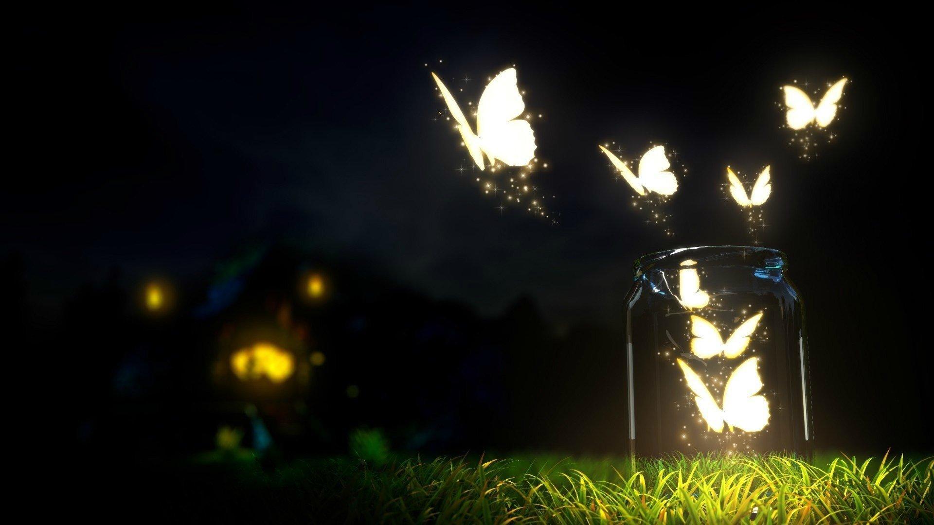 Aus einem Glasgefäß steigt ein Schwarm großer weißer (Fantasie-)Falter auf, die im Dunkeln zu leuchten scheinen.