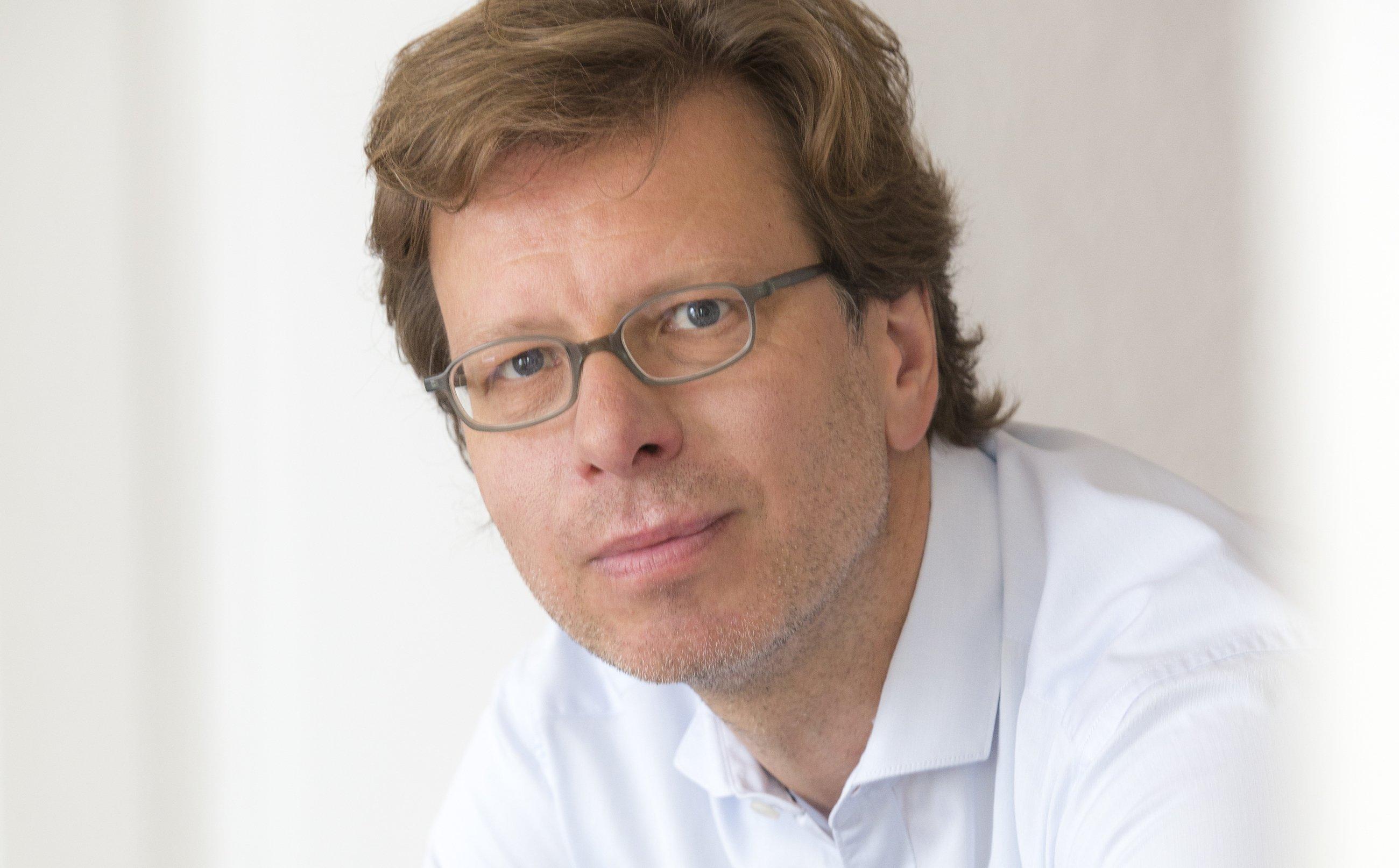 Porträt von Dr. Peter Spork, Buchautor, Redner und Wissenschaftsjournalist
