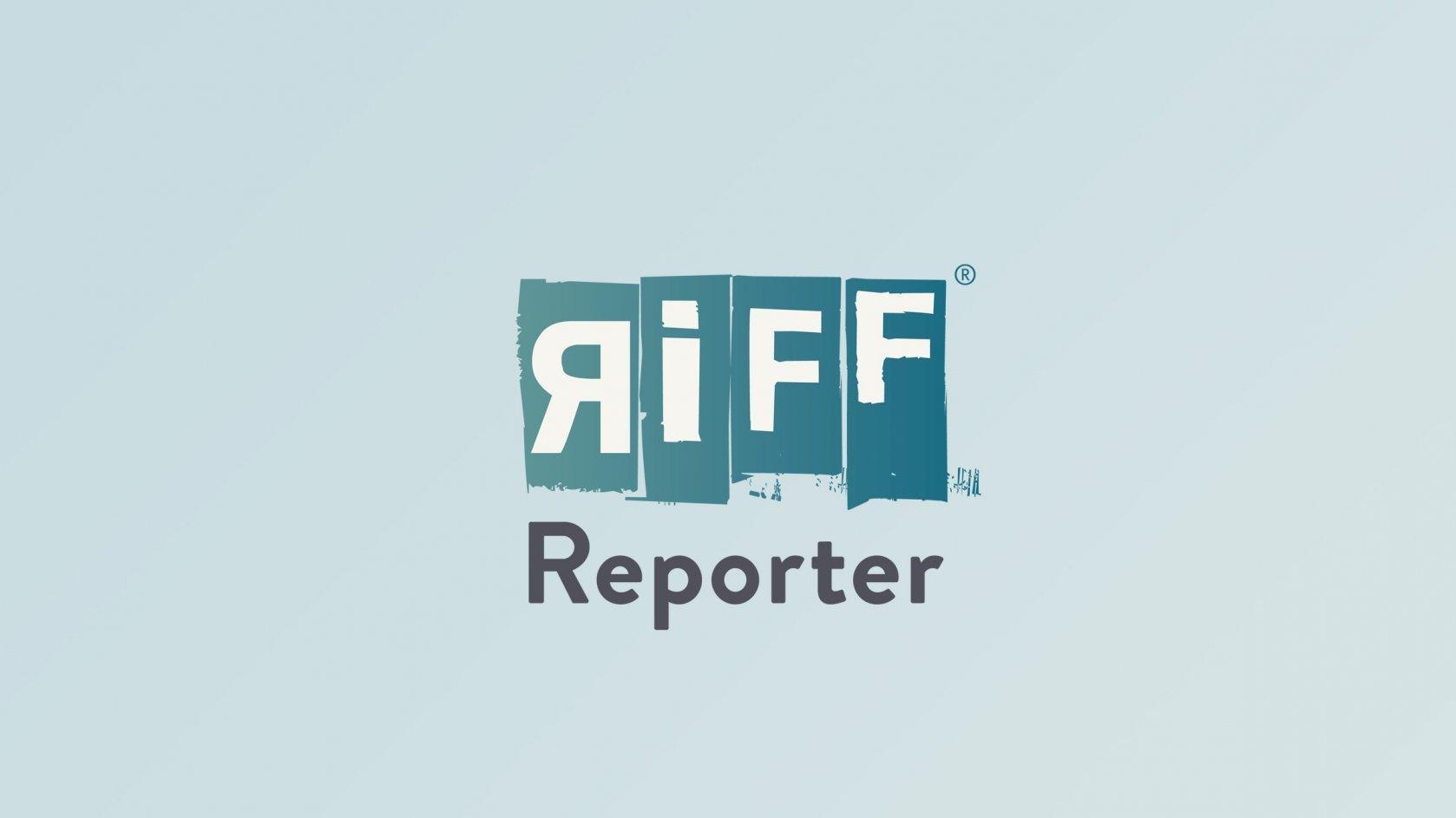 Der Redner und Buchautor Dr. Peter Spork hält einen öffentlichen Vortrag in der Aula der Freiburger Universität.