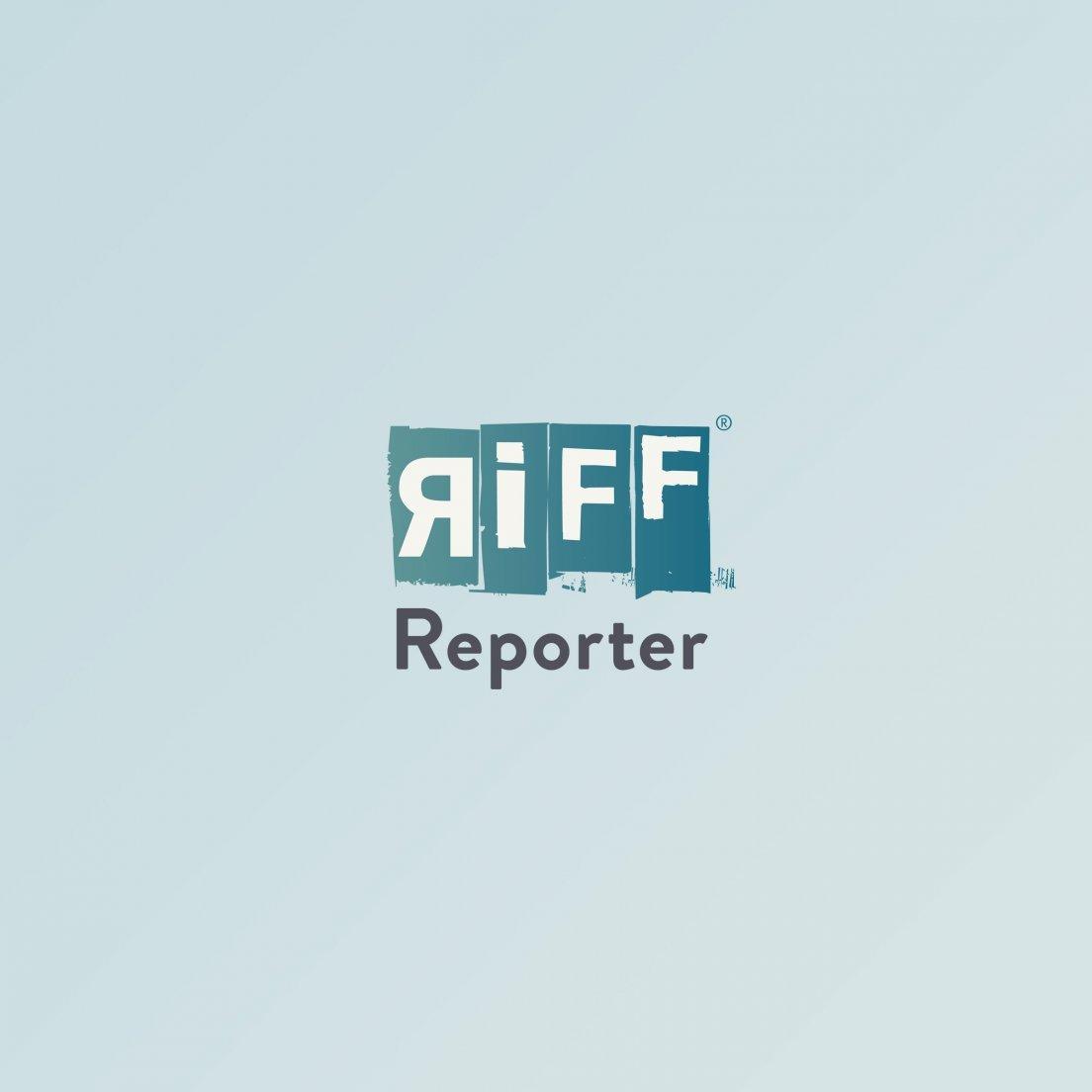 zweigeteiltes Bild: oben das Bild der Regierungskampagne, unten das des RadelndenReporters; beide Bilder zeigen einen deutschen Küstenabschnitt.
