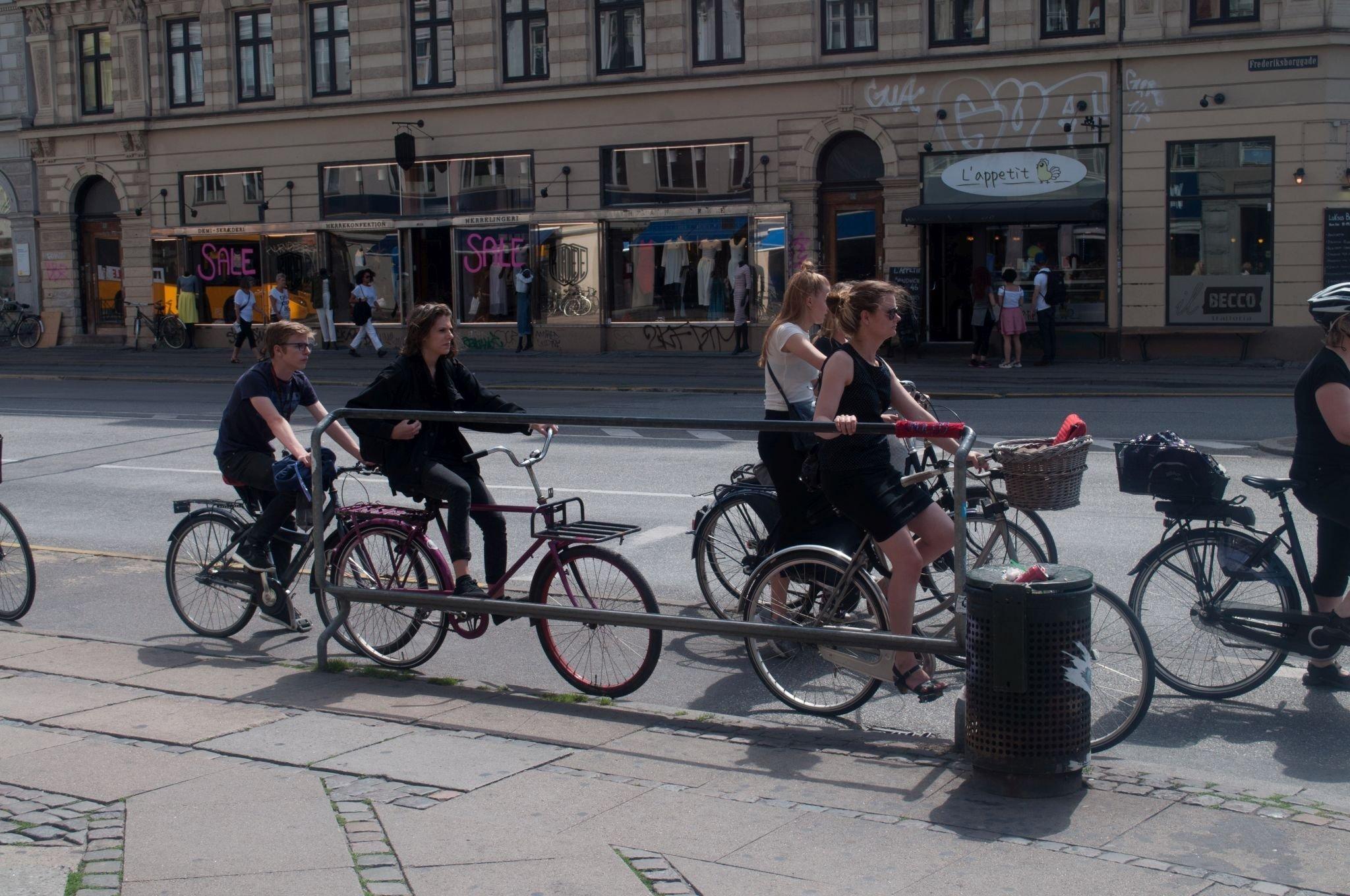 Gruppe von Radfahrerinnen.