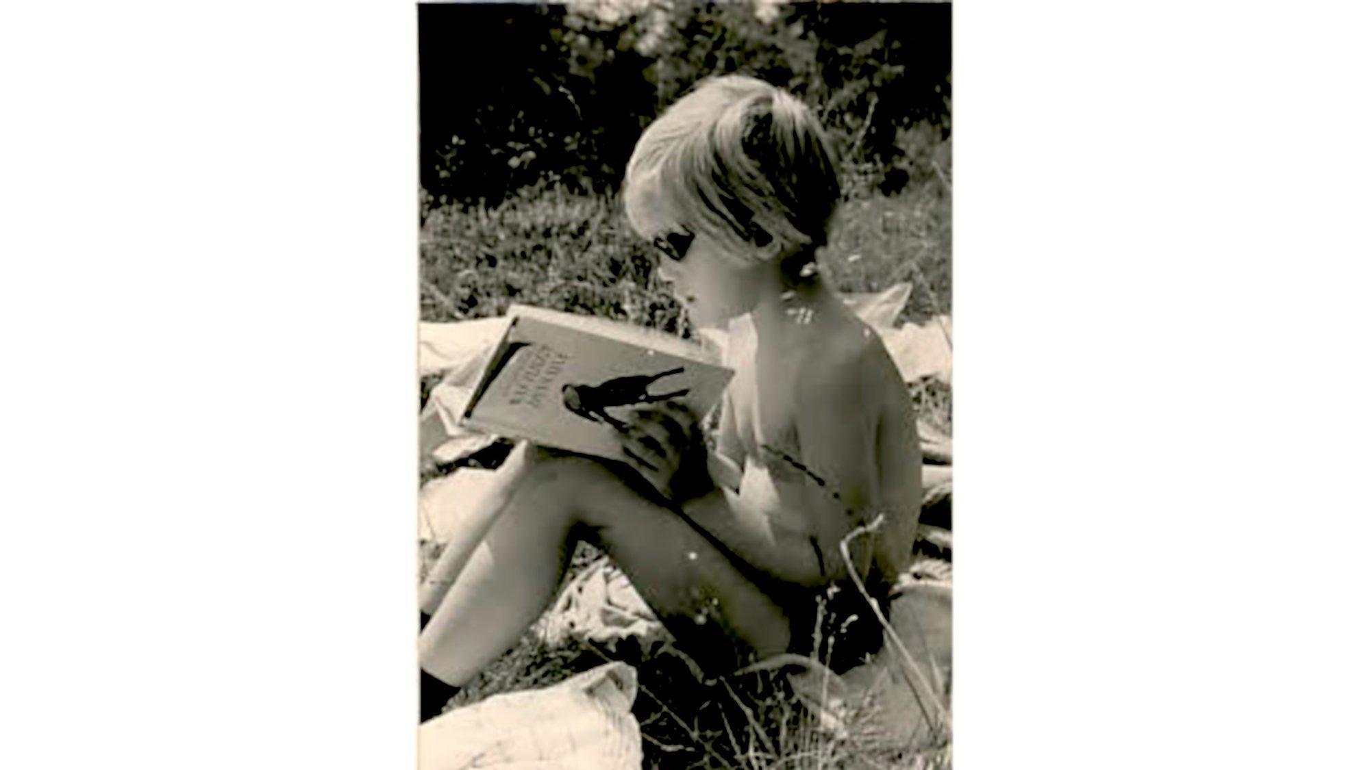 """Mit sechs Jahren bekam Johanna Romberg das Bestimmungsbuch """"Was fliegt denn da?"""" geschenkt. Es half ihr, Wandertouren mit den Eltern in den Kärntner Alpen zu überstehen."""
