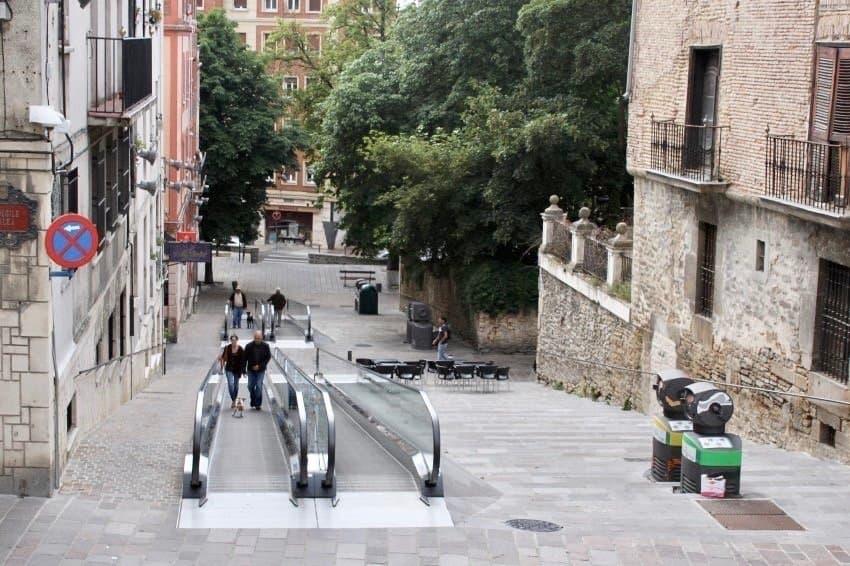 Eine Rolltreppe mitten in der Innenstadt.
