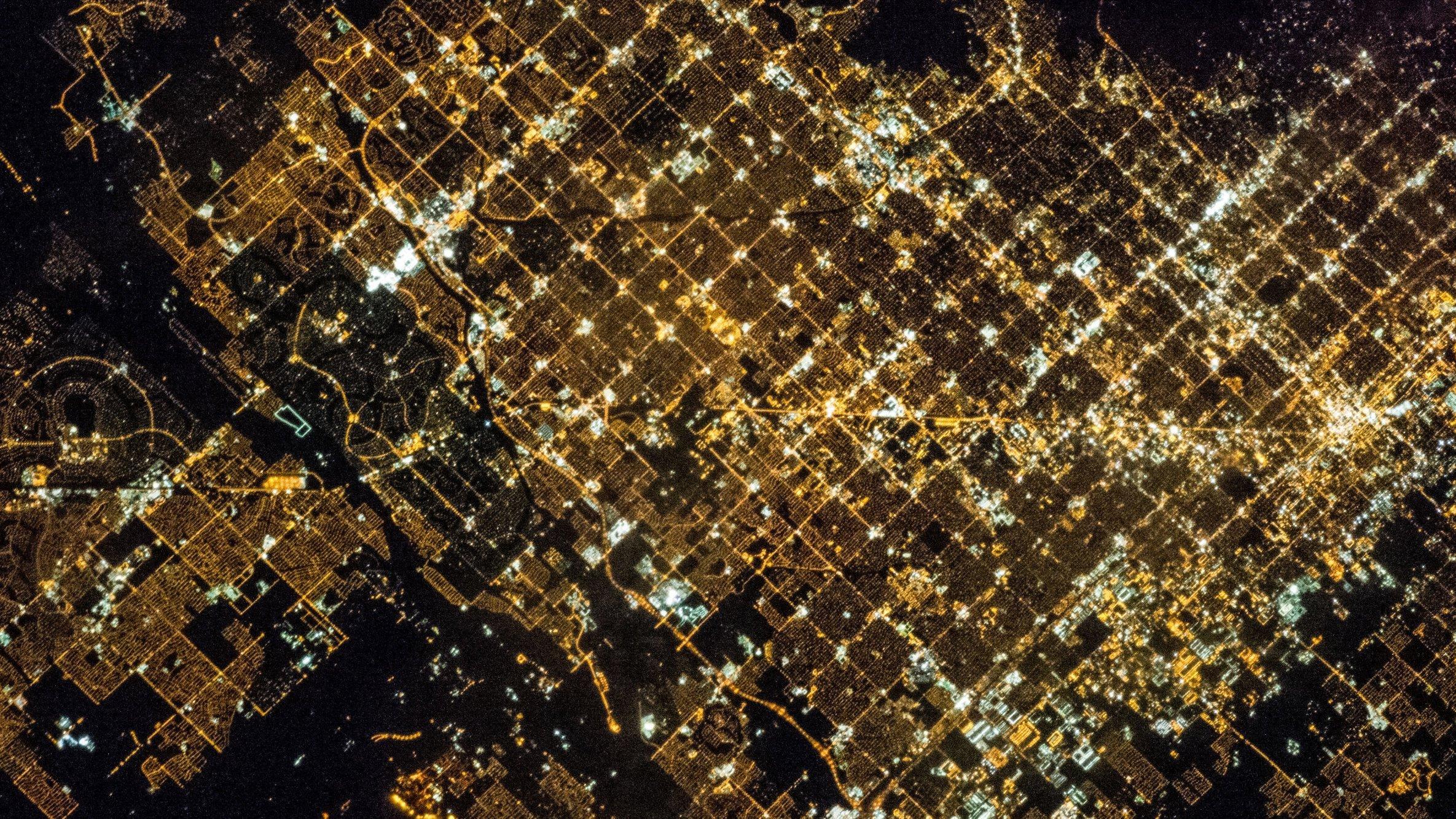 Die US-amerikanischen Stadt Phoenix bei Nacht. Aufgenommen aus der Internationalen Raumstation.