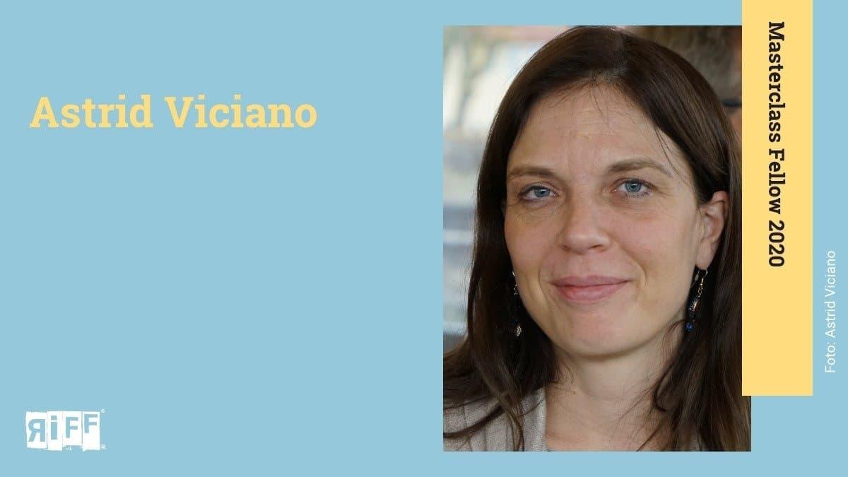 """Ein Hochkant-Foto am rechten Bildrand einer dunkelhaarigen Frau, die lächelt. Der Name Astrid Viciano ist neben ihr zu sehen. An der rechten Seite befindet sich ein Banner mit der Aufschrift """"Masterclass Fellow 2020""""."""