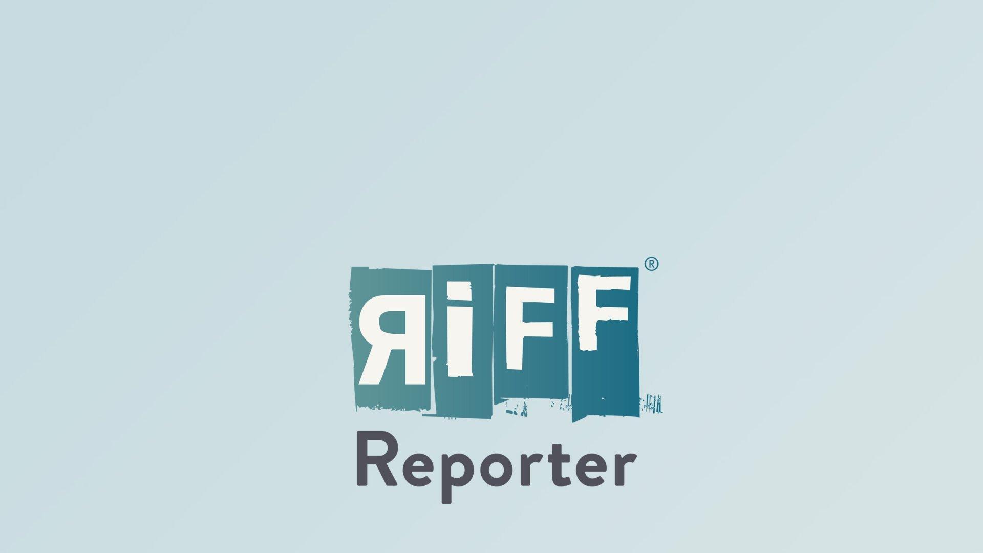 Eine brechende Meereswelle als Sinnbild für das Brechen der Welle von Coronainfektionen