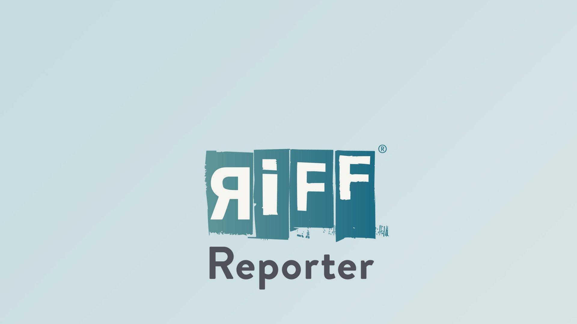 In Nahaufnahme ist das Auge und warzige Gesicht einer Aga-Kröte zu sehen.