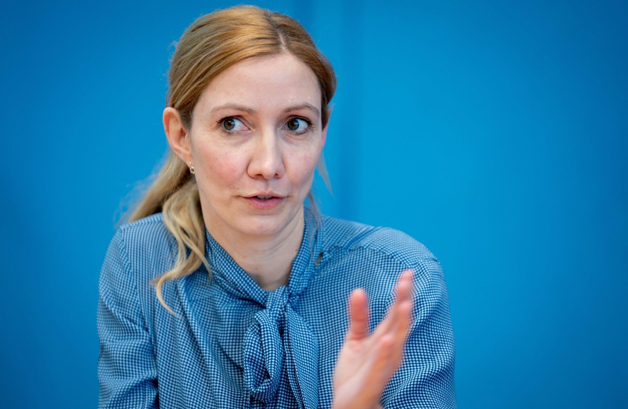 Sandra Ciesek, Direktorin des Instituts für Medizinische Virologie am Universitätsklinikum Frankfurt, gibt in der Bundespressekonferenz eine Pressekonferenz zur Entwicklung der Corona Pandemie.