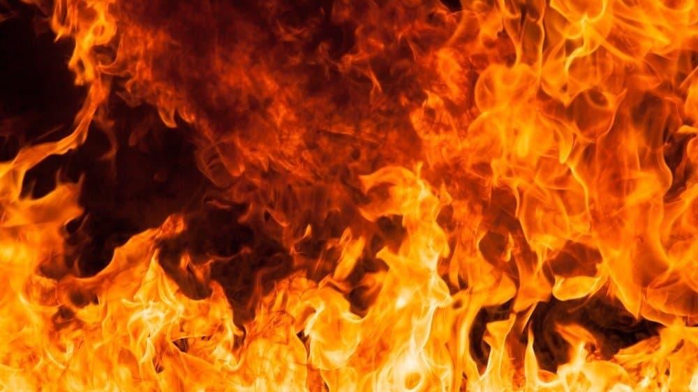 Lodernde Flammen.