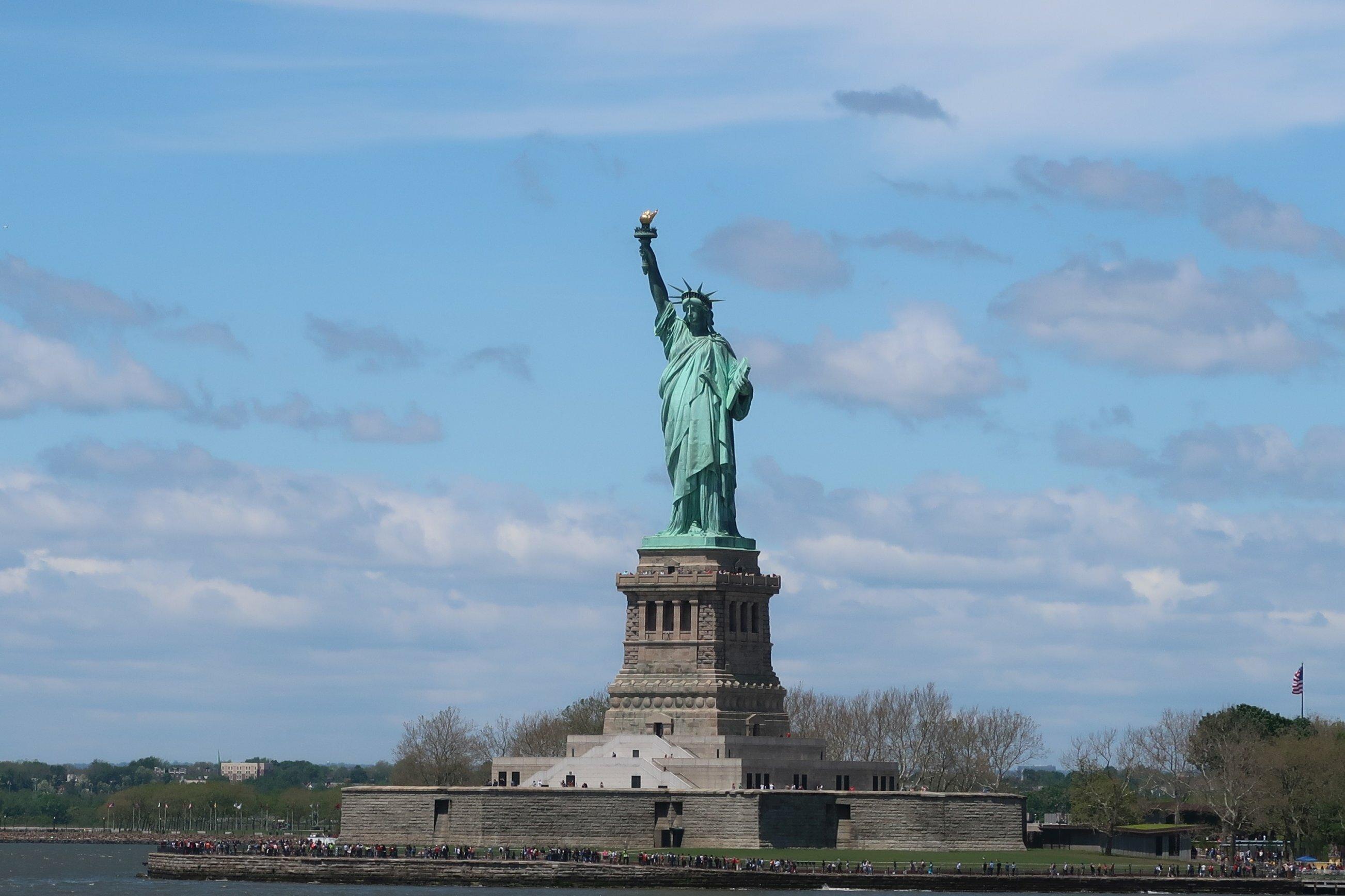 Nahaufnahme der Freiheitsstatue vor New York