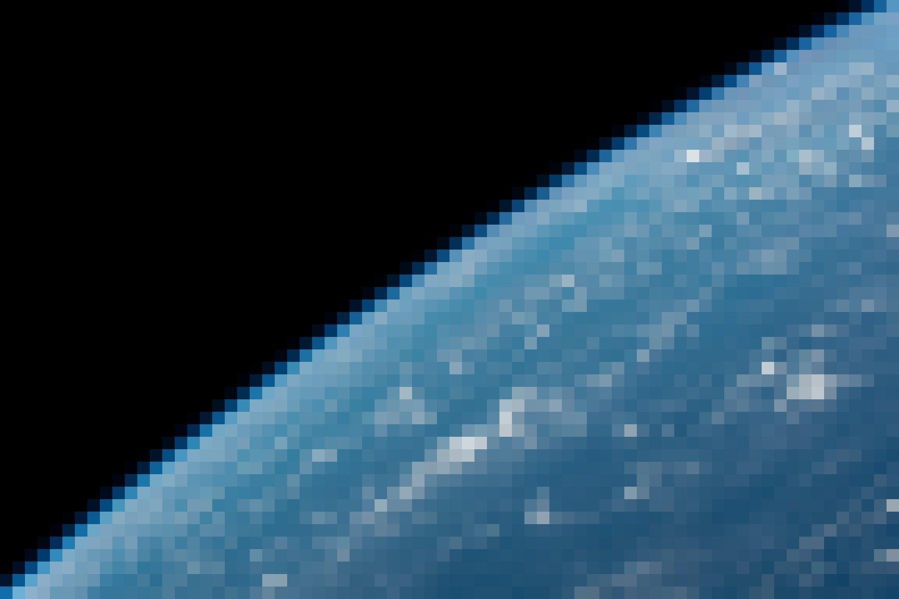 """Es gibt keinen Planeten B – Die Erde als blauer Planet. Ein wunderschönes Symbolfoto von Alexander Gerst, der damit Bezug nimmt zur Klimakonferenz der Vereinten Nationen, die im Dezember 2018im polnischen Kattowitz stattfand, und schreibt: """"Jetzt steht alles auf dem Spiel. Während sich 20000Experten aus 90Ländern in Kattowitz zum größten Klimaforum der Welt COP24versammeln, müssen wir uns alle daran erinnern, dass es keinen Planeten B gibt."""""""