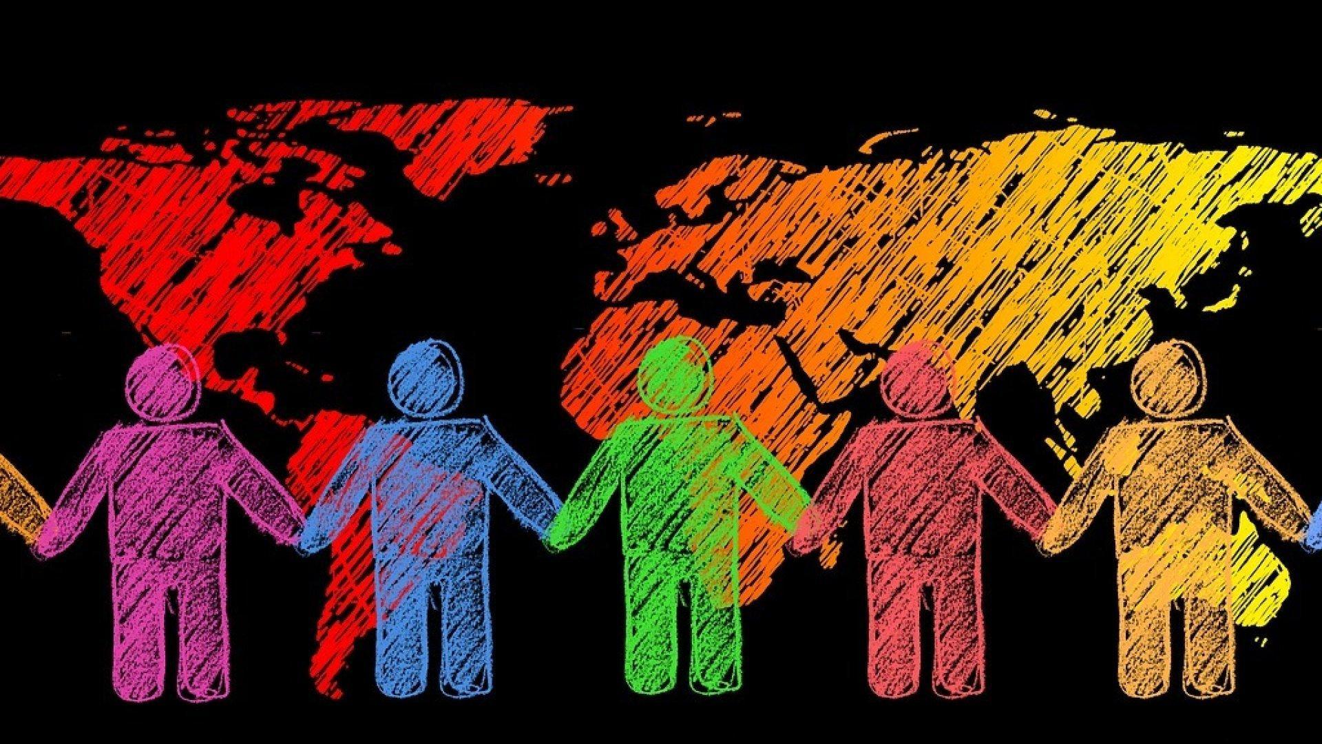 Eine gezeichnete Weltkarte, davor Strichmännchen in bunten Farben, die sich an den Händen halten.