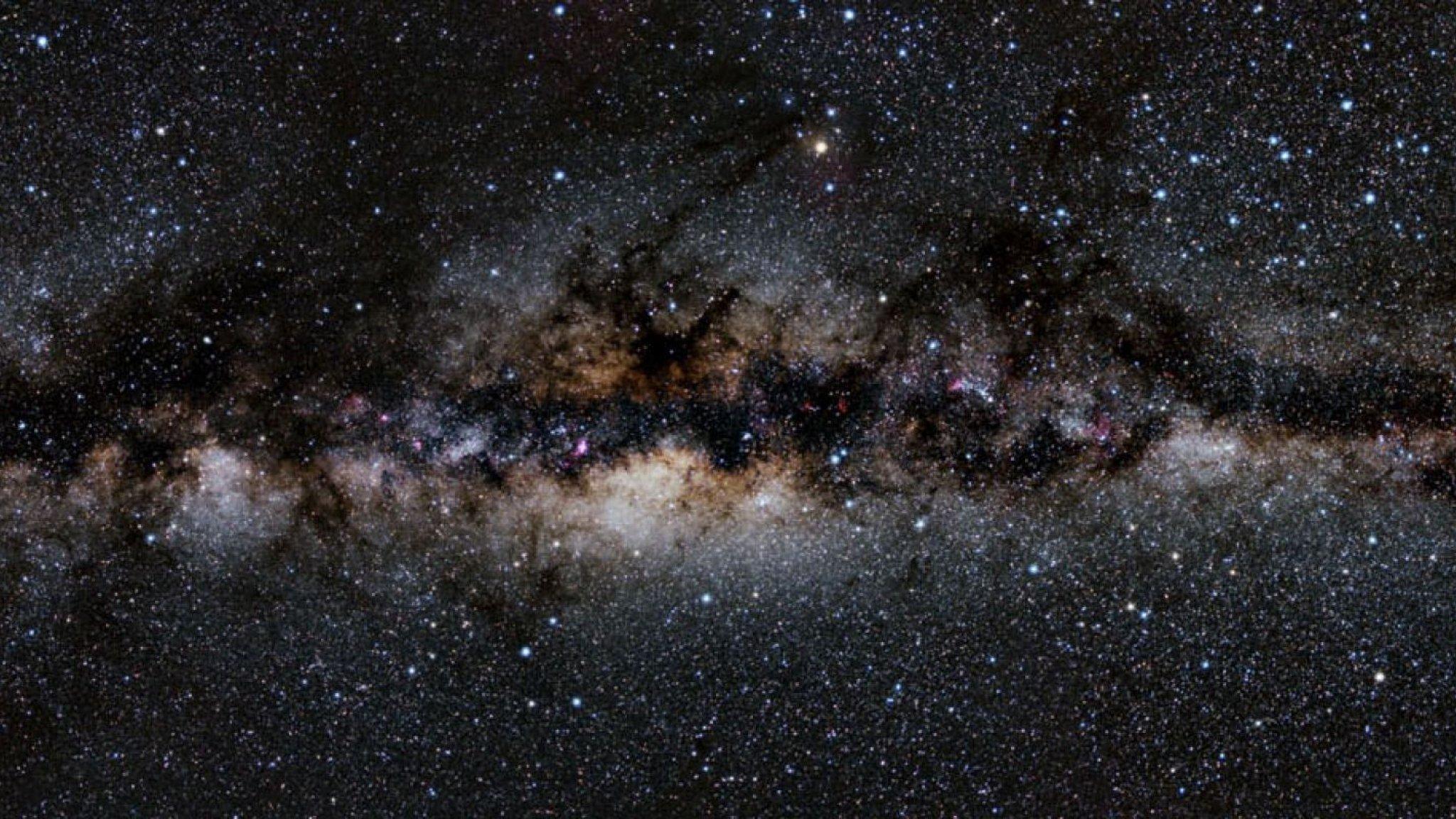 Panorama der Milchstraße in voller Breite
