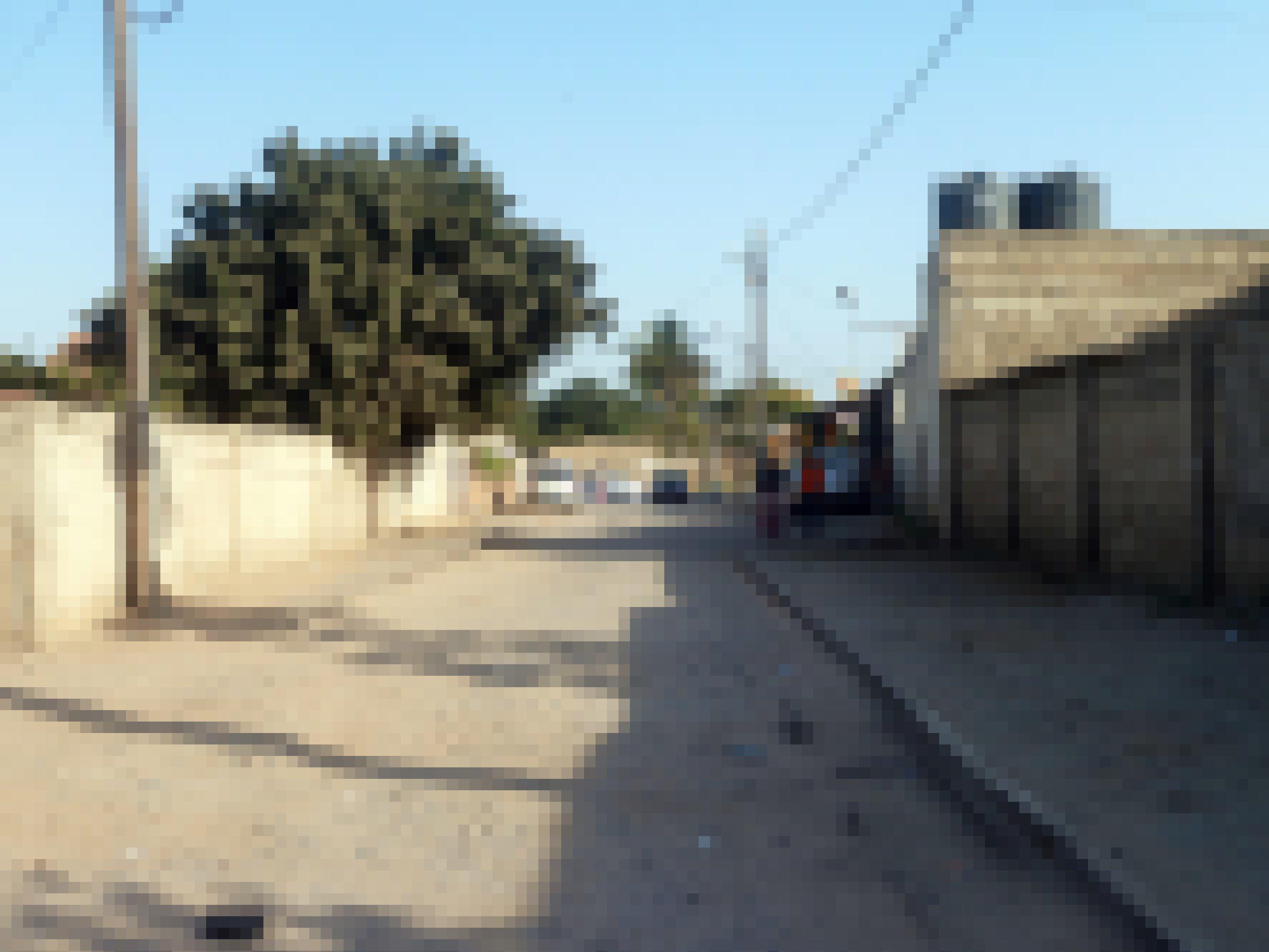Marios Schulweg – eine ungeteerte, steinige und hoprige Straße