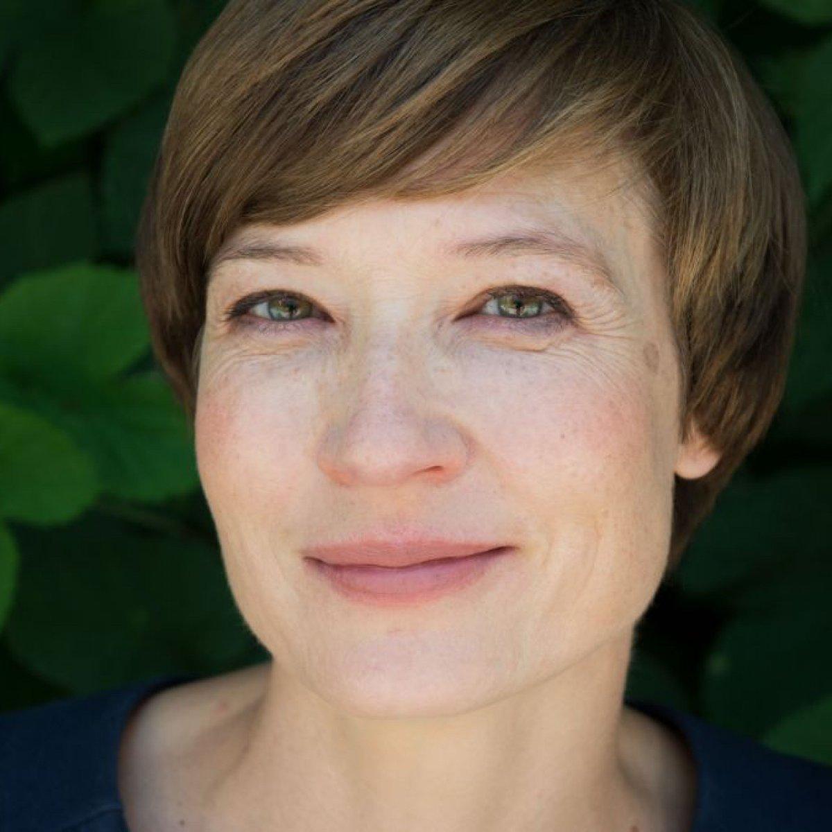 Petra Ahne ist eine sehr schöne Frau. Sie sieht der Schauspielerin Cate Blanchett ein bisschen ähnlich.
