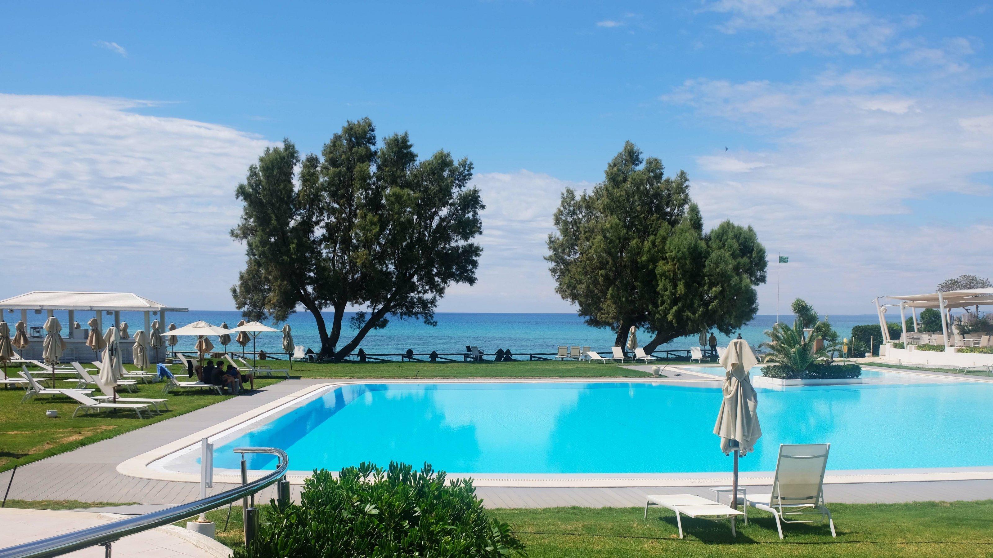 Leerer Pool des Hotel Le Sultan in Hammamet, Tunesien