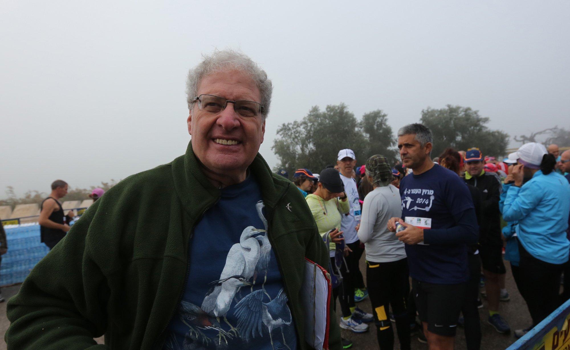 """Yossi Leshem beim """"Crane Race"""" einem Marathon zum Schutz der Kraniche."""